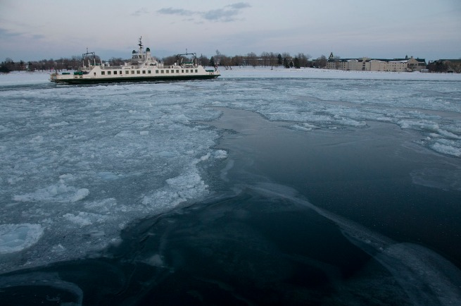 ferry-in-icy-water-kingston1