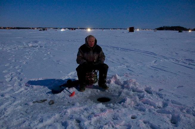 fishing-for-walleye-on-lake-scugog