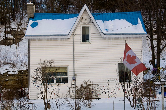 house-in-marmora-with-flag