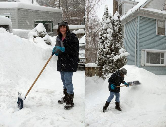 lady-shoveling1