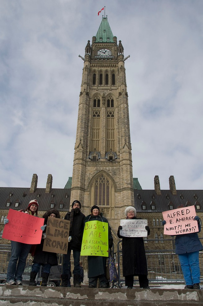 protesters-on-front-steps-of-parliment-ottawa-039