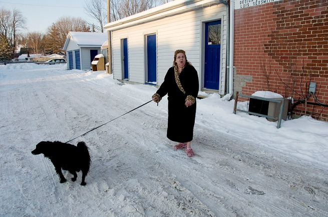 walking-dog-in-minus-14-in-a-house-coat-deseronto-206