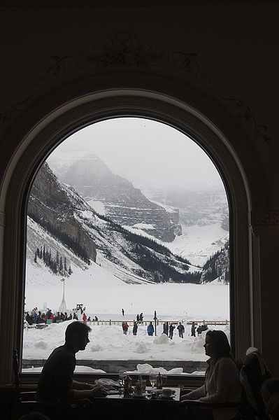 arched-windows-at-lake-louise