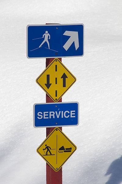 cross-country-skiing-signs