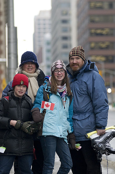 happy-canadian-family