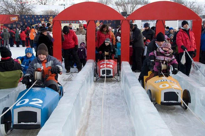 kids-with-sleds