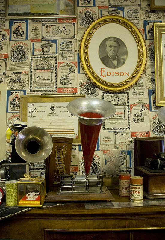phonograph11