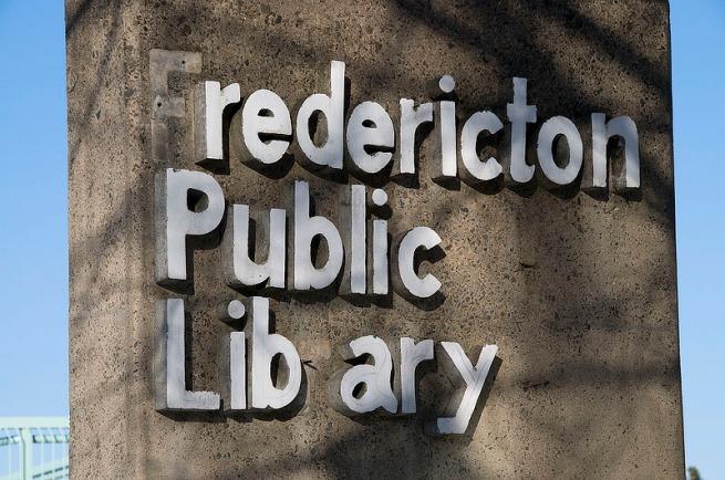 fredericton-libraray-sign