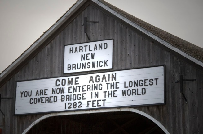 hartland-covered-bridge-sign