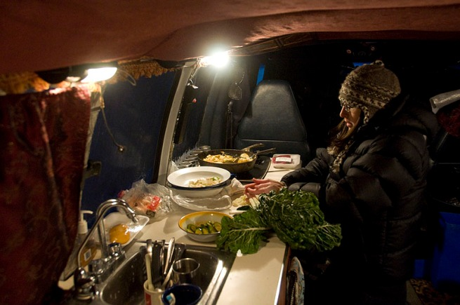 heide-cooking-in-the-van-on-her-birthday1