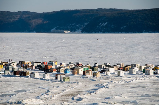 Ice fishing canadian mosaic for Fishing in quebec