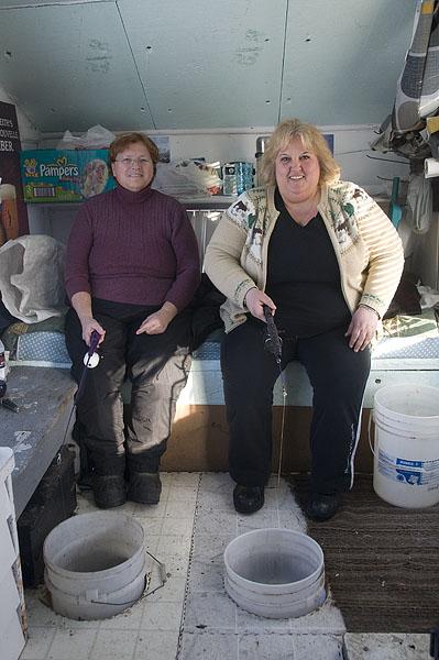 ladies-ice-fishing