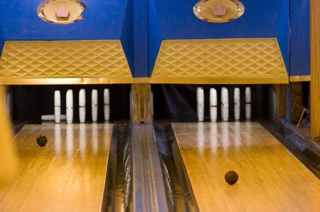 lanes-bowling
