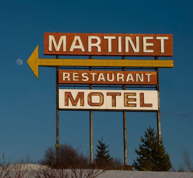 martinet-motel-sign