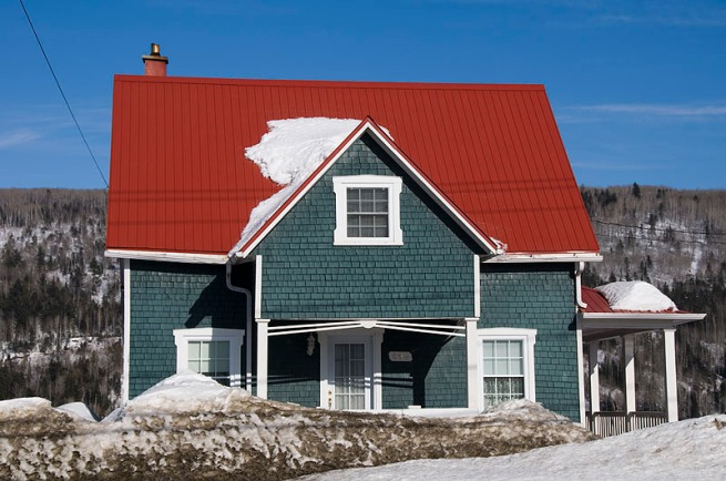 red-roof-in-sainte-urbaine