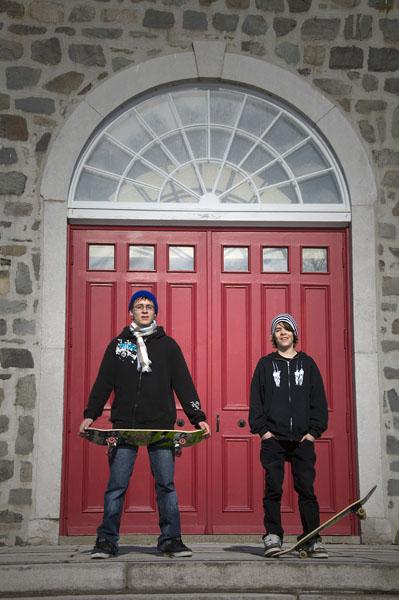 skater-boyz-on-the-church-steps