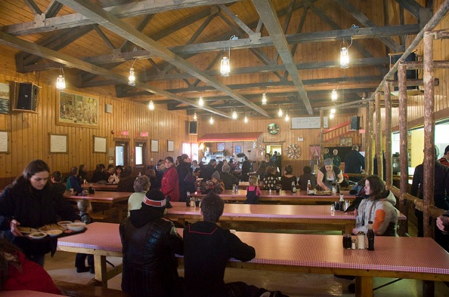 ski-lodge-chicoutimi