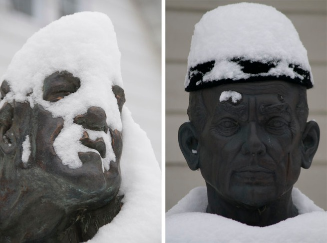 statues-in-the-snow
