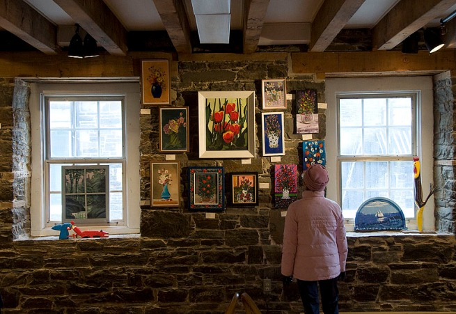 viewing-art-at-the-carrefour-altantic-emporium-halifax