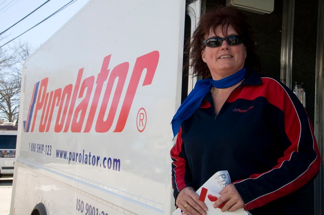 annapolis-royal-_purolator-girl