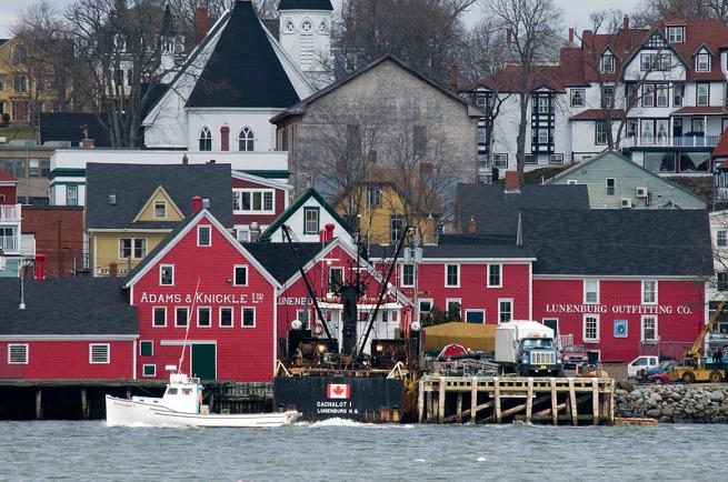 lunenburg-fishing-boat