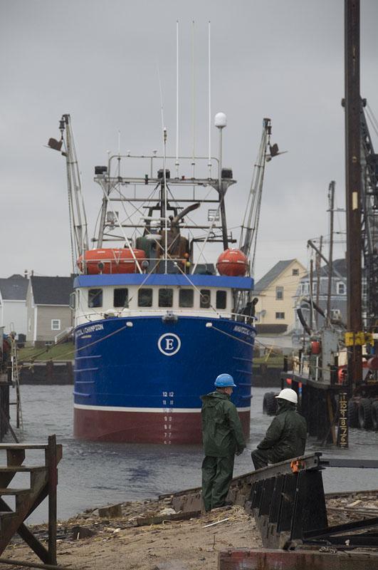 meteghan-putting-boat-in-water