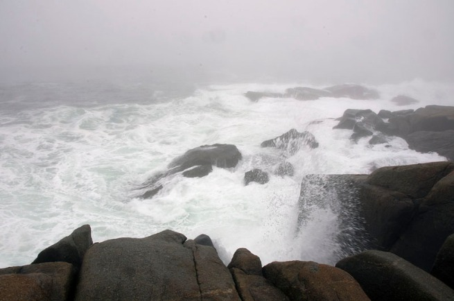 waves-at-peggys-cove-1