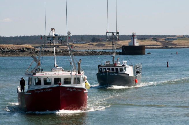 yarmouth-entering-harbour