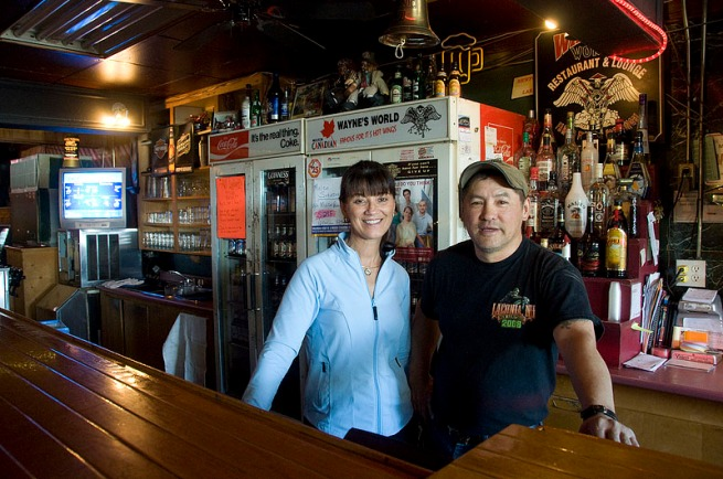 dorothy and wayne from wayne's world pub and eatery