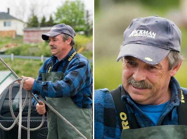 fishermen unloading net